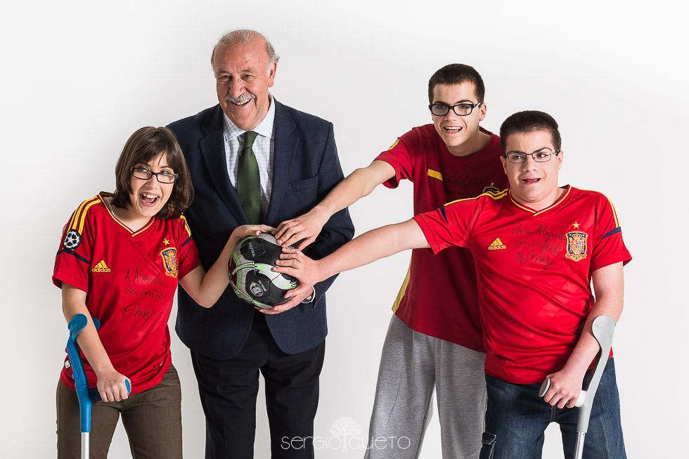 vicente-del-bosque-calendario-solidario-ameb-0001